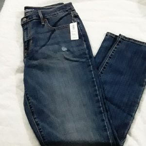 NWT  Old Navy Mid Rise Curvy Jeans
